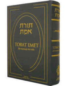 TORAT EMET- CHUMASH WITH SPANISH TRANSLATION